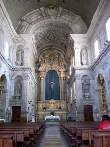 【教会の街 ブラガで 古くて壮麗】
